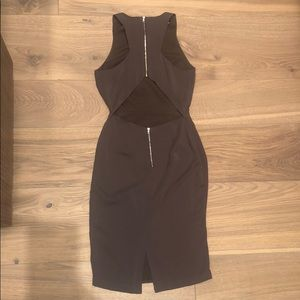 Perfect Day-to-Night Fabrik Dress